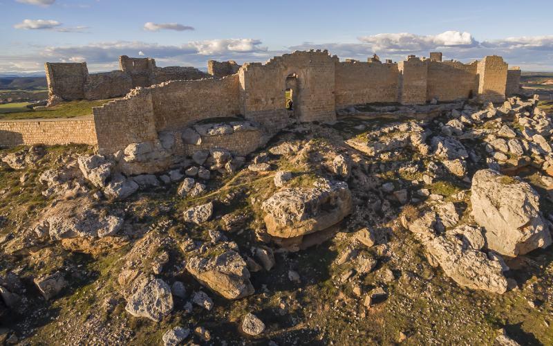 Puerta califal del castillo de Gormaz