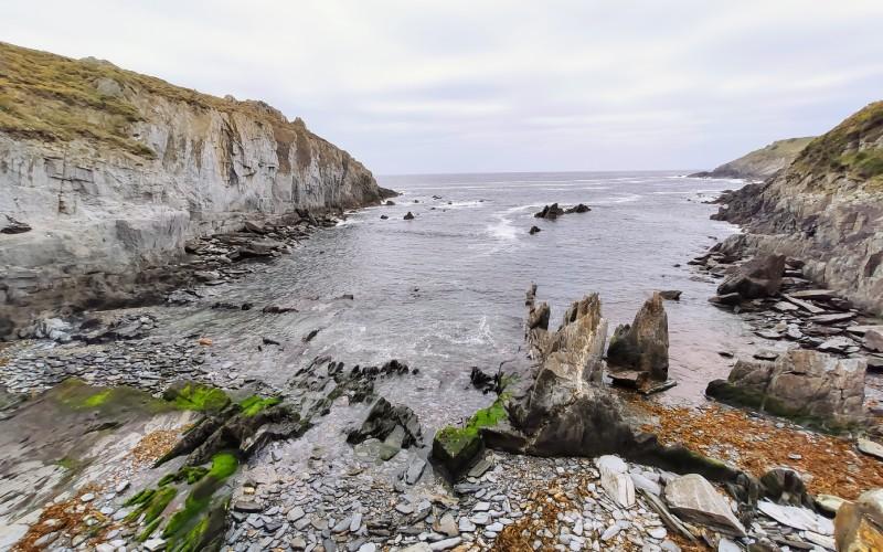 Playa La Losera, cercana a Puerto de Vega
