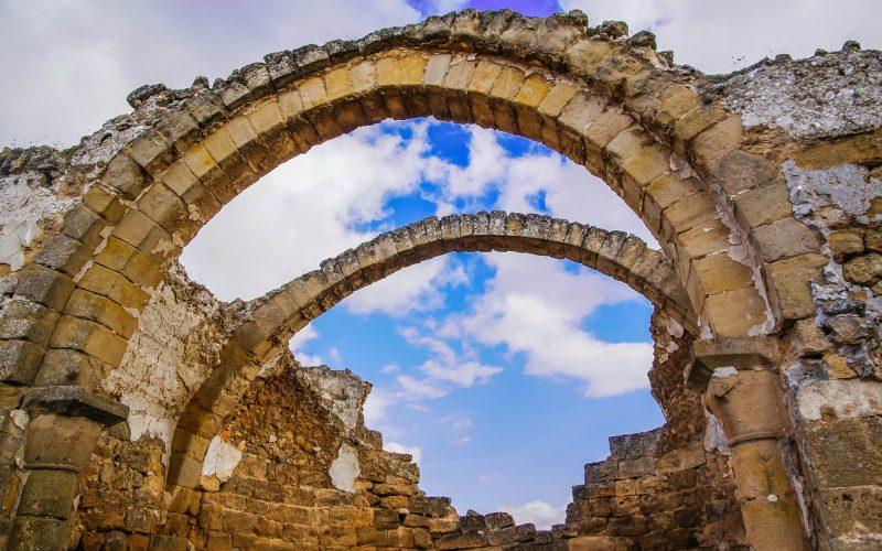 Arco de la iglesia medieval