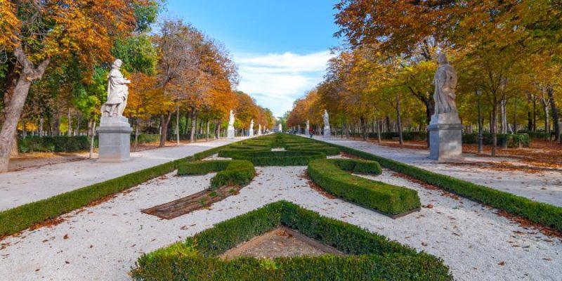 Madrid cierra desde este martes sus piscinas y clausura los parques en horario nocturno