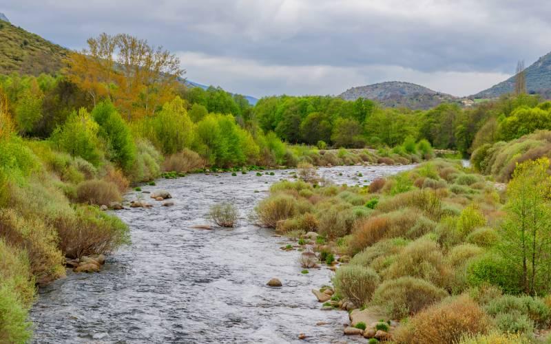 Río Tormes a su paso por Ávila