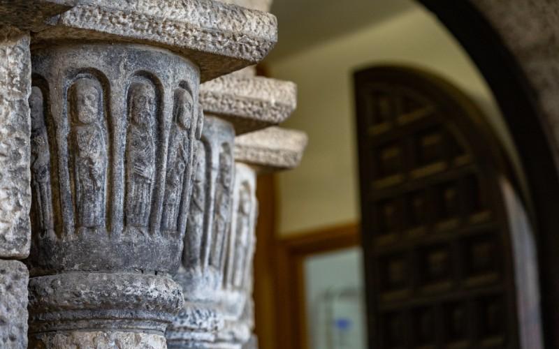 Detalles románicos del Roc de Sant Gaietà