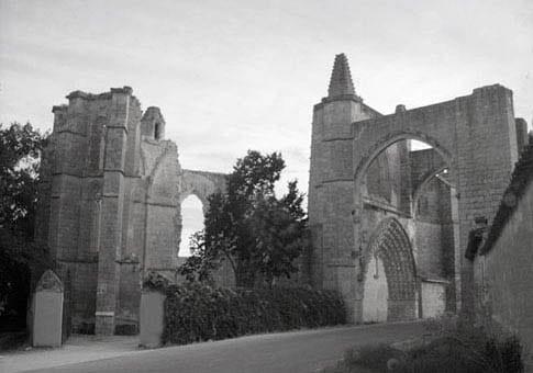 Foto antigua del Convento de San Antón, uno de los lugares que ver en Castrojeriz