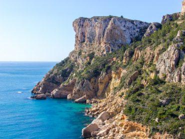 Ruta de Benitatxell, los acantilados que se asoman a un paraíso mediterráneo