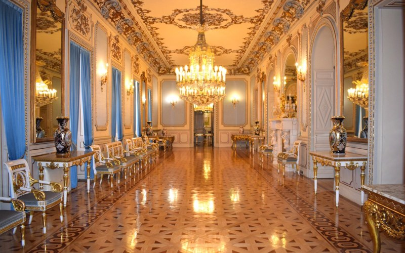 Uno de los salones del Palacio de Villamejor