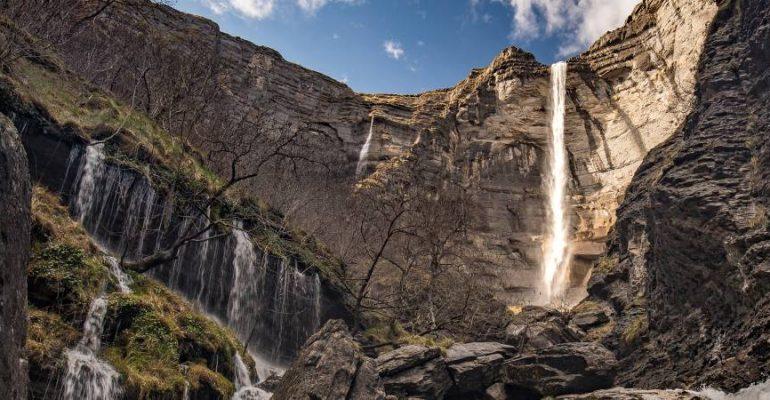 El Salto del Nervión, la cascada más alta de España que solo fluye durante unos meses