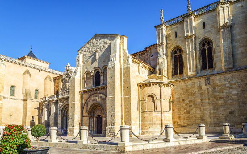 Real basílica de San Isidoro en León