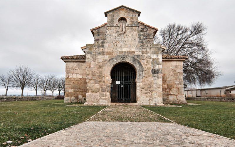 Portada de San Juan de Baños