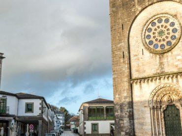 San Xoán de Portomarín, la iglesia-fortaleza que se trasladó piedra a piedra