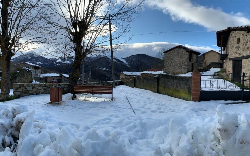 Pueblo de San Mamés en invierno