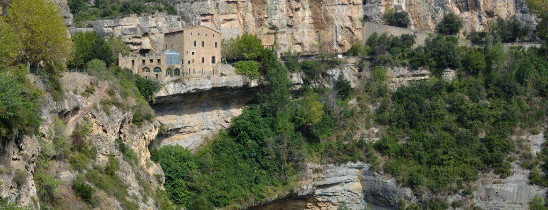 El monasterio de Sant Miquel del Fai y su entorno natural