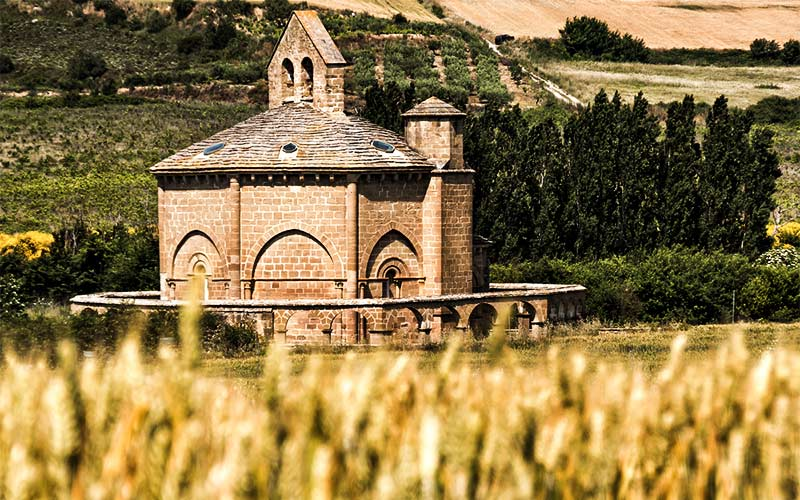 iglesias del Vista lejana de Santa María de Eunatefrancés