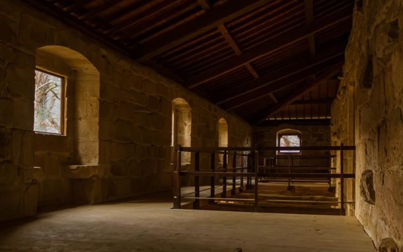 Imagen de estancia interior del monasterio de Ribas de Sil