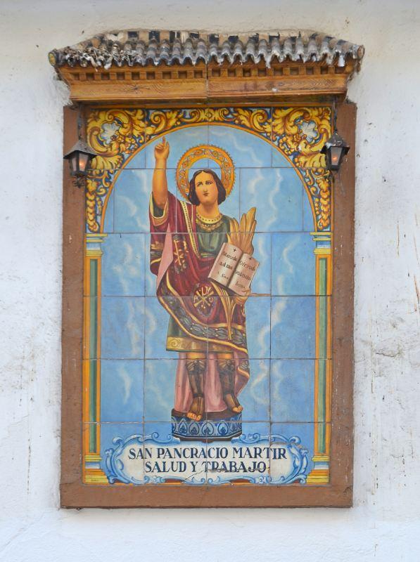 Detalle de icono de San Pancracio, en azulejos, en el Convento de Santa María de los Angeles