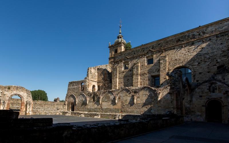 Panorámica de Santa María de Carracedo