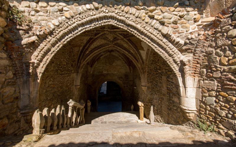 Pórtico en Santa María de Carracedo
