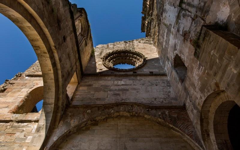 Restos de Santa María de Carracedo