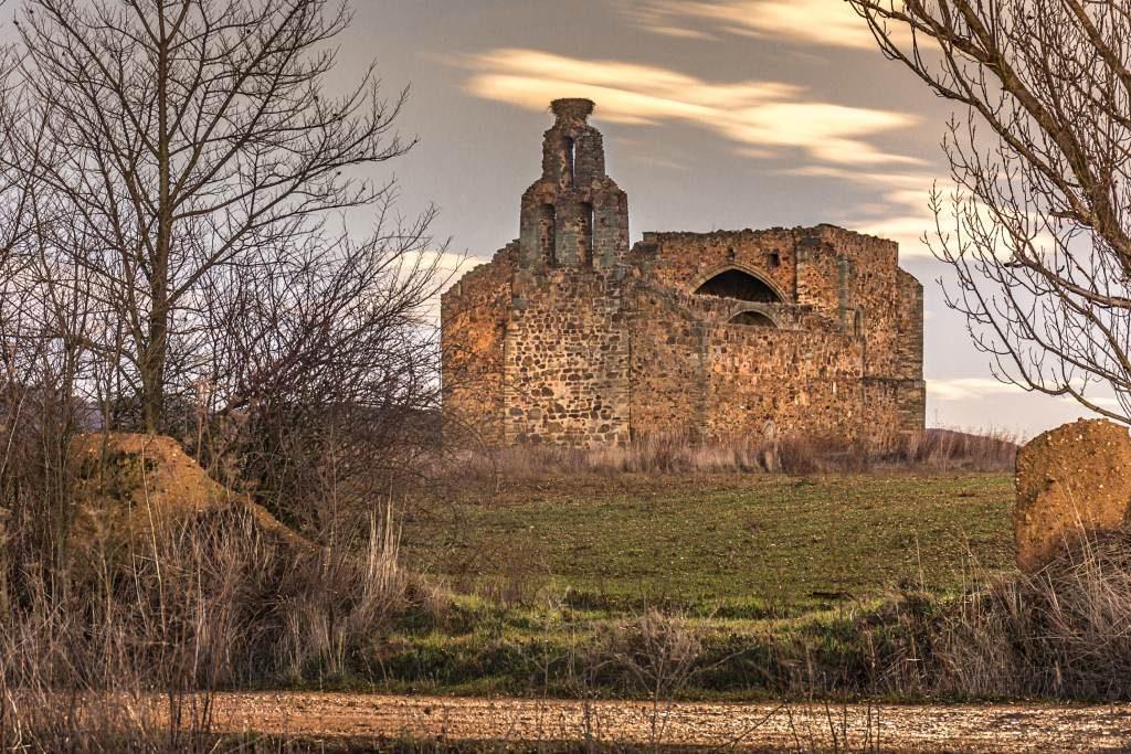Santa Marina en Tardemézar cementerios más curiosos de España