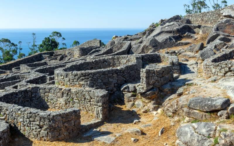 Viviendas y edificios del castro de Santa Tecla