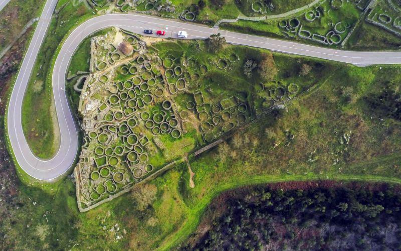 Impacto de la carretera en el yacimiento de Santa Tecla