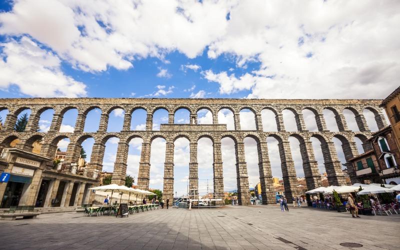 Acueducto de Segovia desde la Avenida del Acueducto