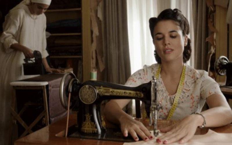 El tiempo entre costuras: series basadas en novelas españolas