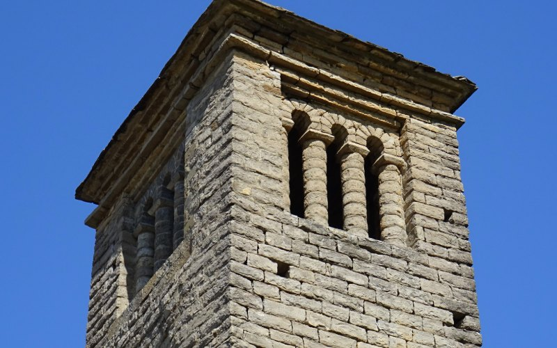 Torre de San Pedro de Lárrede Iglesias Serrablo