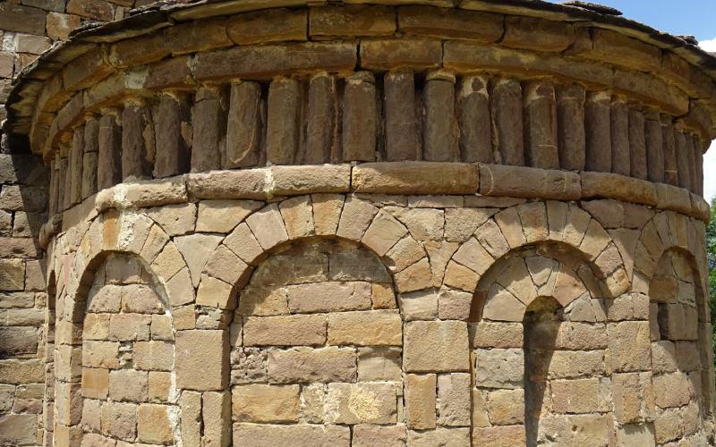 Detalle del ábside de San Andrés de Satué Iglesias Serrablo