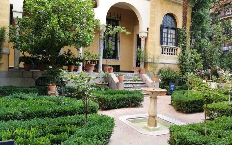 Primer jardín del Museo de Sorolla inspirado en el jardín de Troya del Alcázar de Sevilla