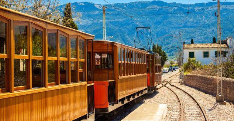 Tren de Sóller, el ferrocarril de Mallorca que no quiso echar el cierre
