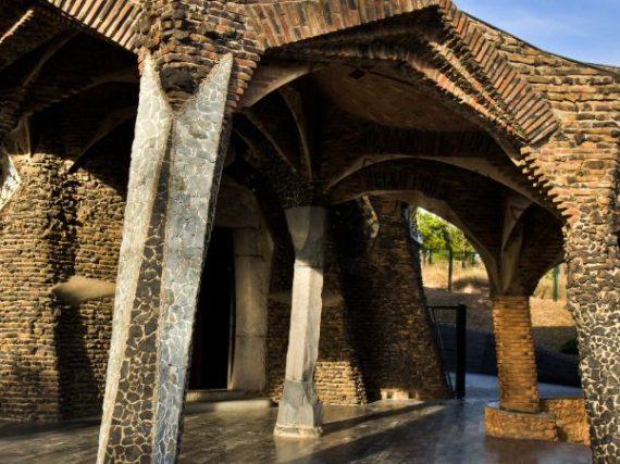 La Cripta de la Colònia Güell, una de las obras menos conocidas de Gaudí