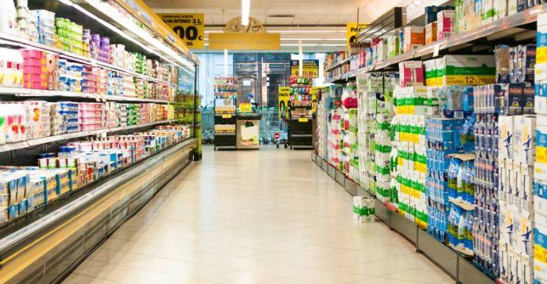 Los españoles consumen un 30% más de comida y bebida debido al confinamiento