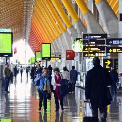 Barajas no recuperará su volumen de tráfico aéreo hasta febrero de 2021