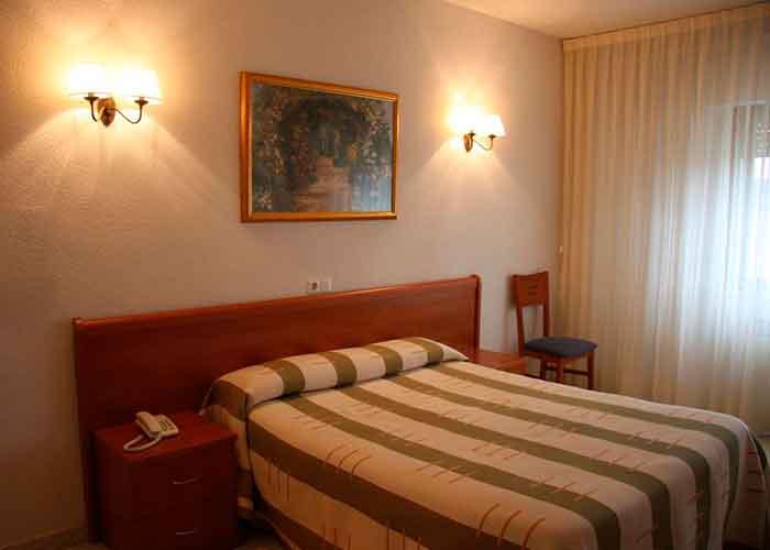 dormir alba tormes hotel alameda
