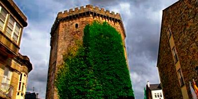 Torre del homenaje del castillo de los Andrade