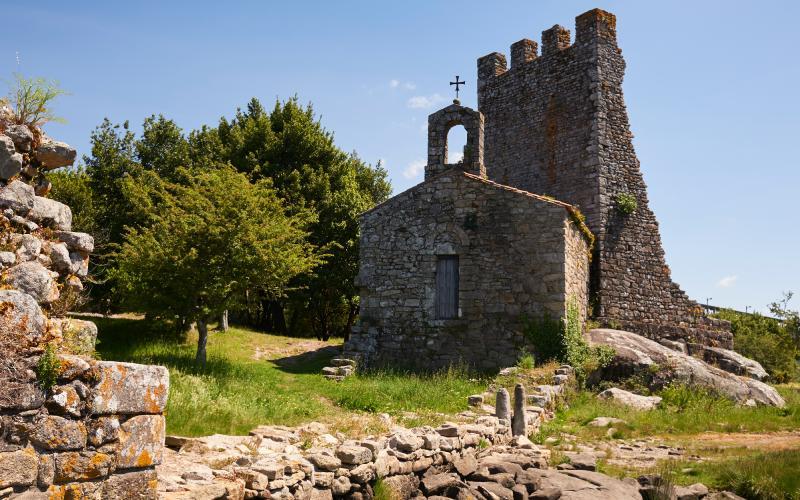 Torre contra vikingos en Catoira