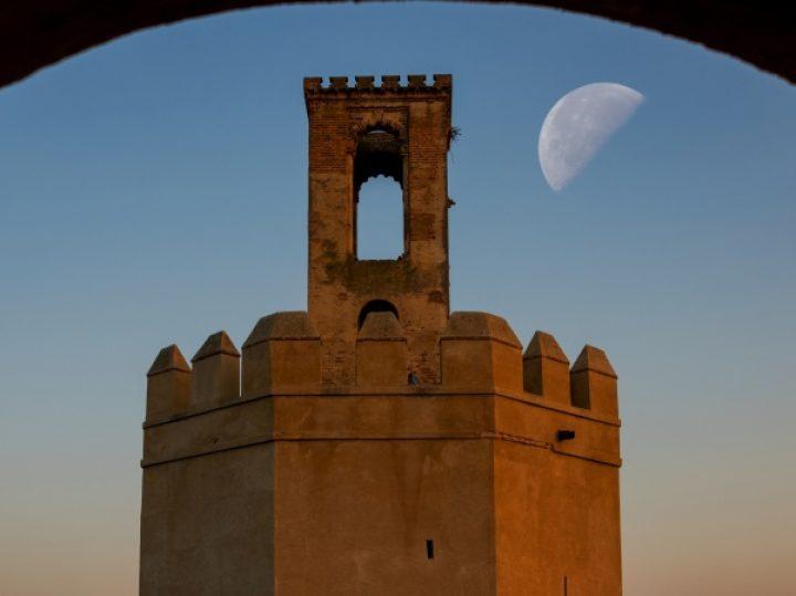 Nueve espectaculares torres medievales españolas, un vertical desafío al tiempo