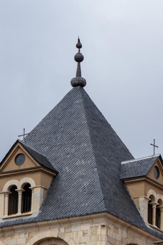Torre del gallo con la réplica