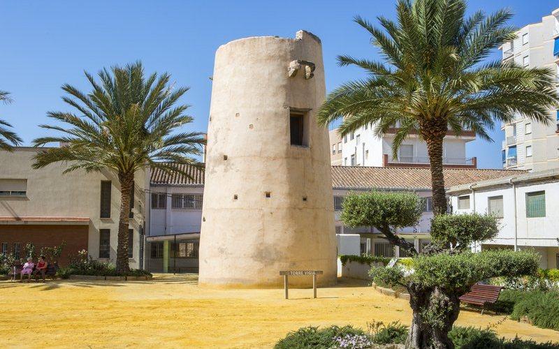 Torre de la Atalaya en Torrenueva Costa