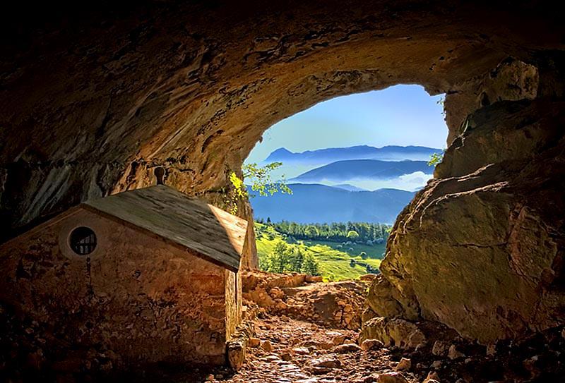 pueblos escondidos en las montañas vascas