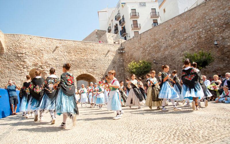 Fiesta de la Virgen de la Ermitana en Peñíscola fiestas patronales de España en septiembre