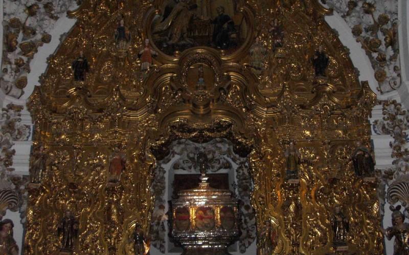Detalle de la urna de la capilla barroca de los mártires