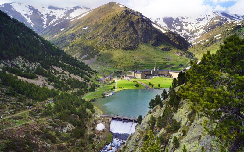 Vall de Núria en el entorno de Puigmal