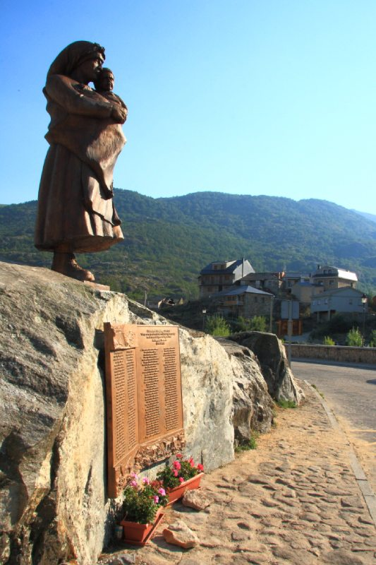 monumento a las víctimas de Ribadelago