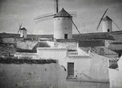 foto antigua molinos campo criptana