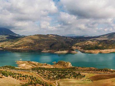 5 entornos naturales de Andalucía para darse un chapuzón