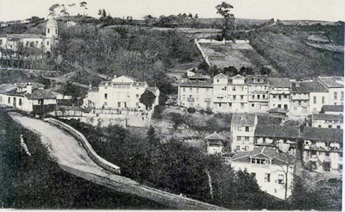 Zona de El Carmen, en Lastres, a principios del siglo XX.